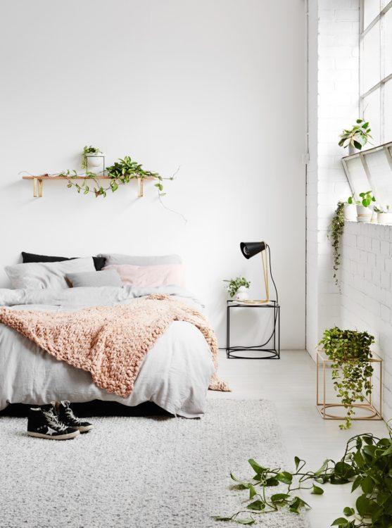 minimalist bedroom image