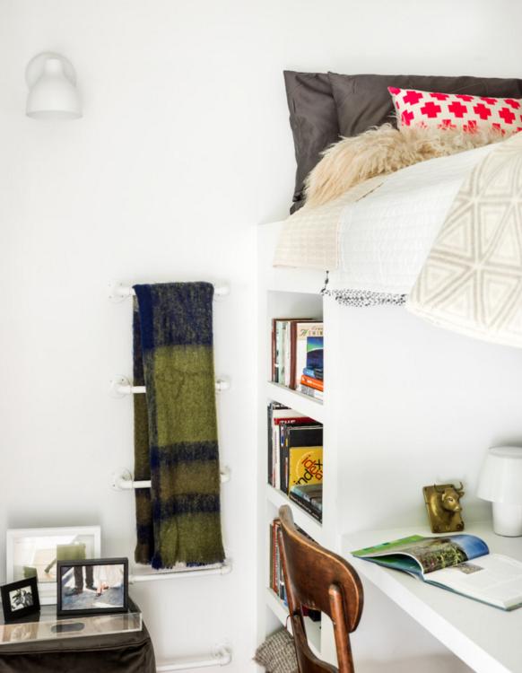 minimalist bedroom reddit