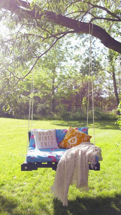 DIY Natural Hang Relaxing Porch Swing Pallet