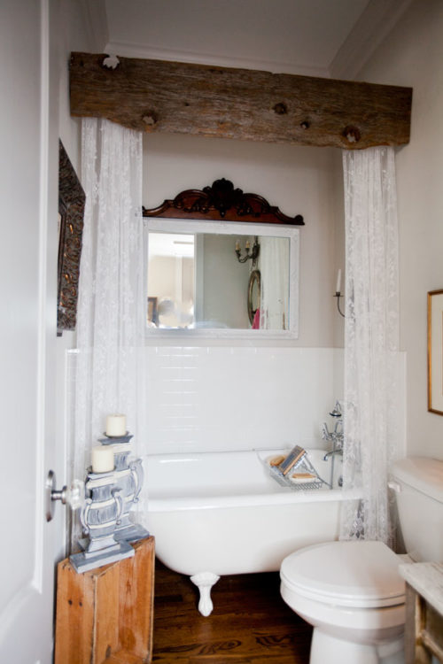 Cedar Farmhouse Bathroom