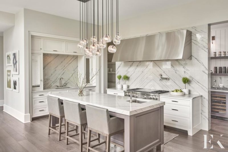 Chic and Contemporary Family-Friendly Kitchen