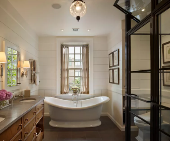 Elegant Farmhouse Bathroom