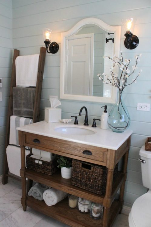 Oaks Farmhouse Bathroom