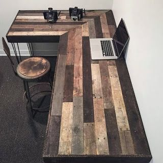 Old Pallet DIY Corner Desk Ideas