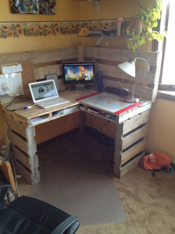 Pallet Wood DIY Corner Desk Ideas