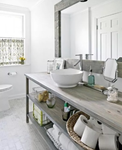 Rustic Throwback Farmhouse Bathroom