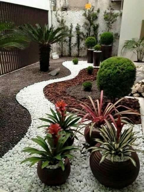 Tiny Rock Garden Landscaping Design