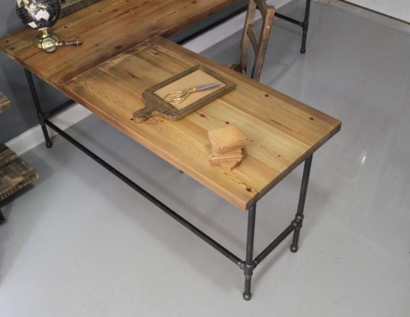 Corner Pipe Table Ideas