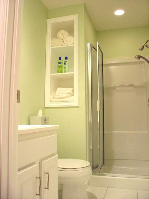 green small basement bathroom ideas
