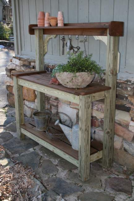 Old Rustic Potting Bench Ideas