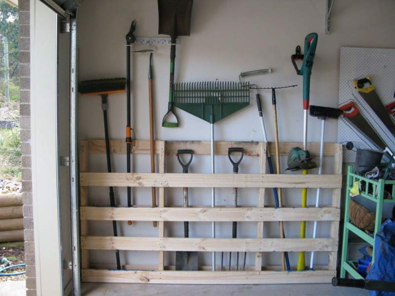 Pallet Garage Storage Ideas
