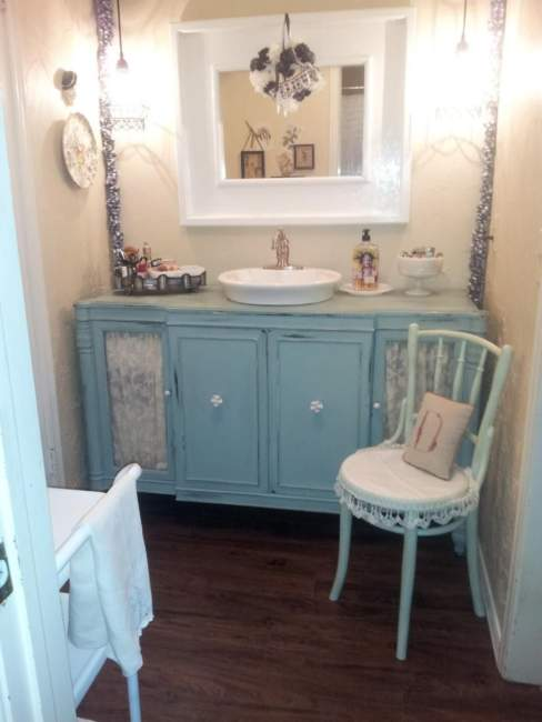 Shabby Chic Savvy Bathroom Storage Ideas