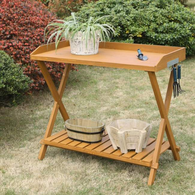 Simple Potting Bench Ideas
