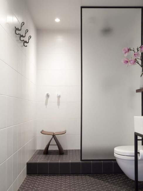 ultra minimalist basement bathroom ideas