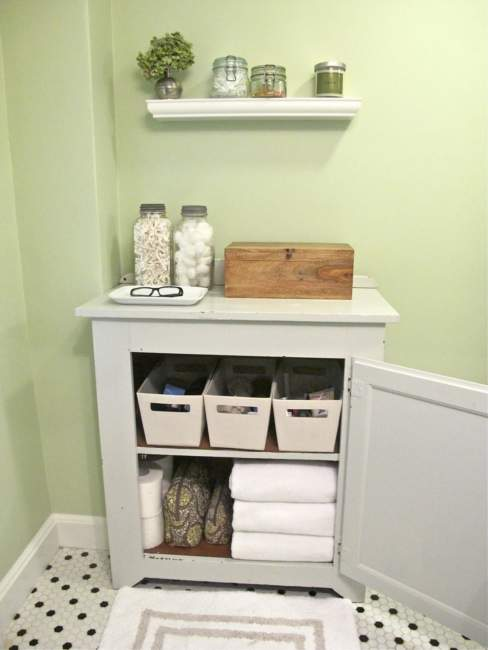 Vintage Savvy Bathroom Storage Ideas