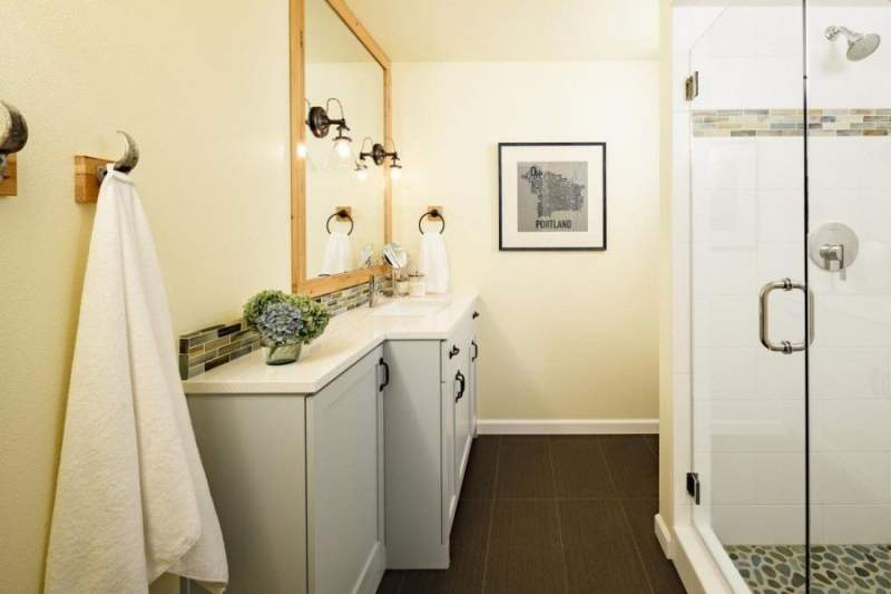 white gold basement bathroom ideas