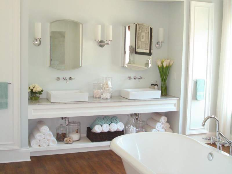 White Savvy Bathroom Storage Ideas