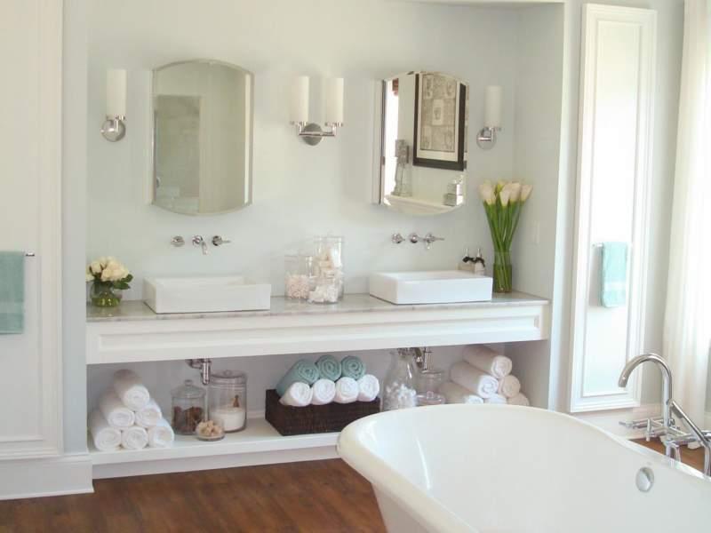 White Savvy Bathroom Storage Ideas
