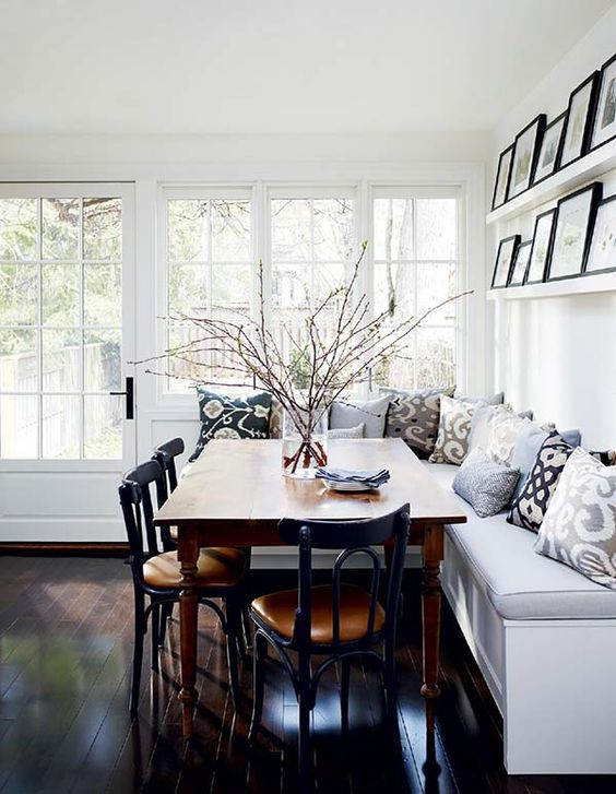 Black and White Corner Breakfast Nook Ideas
