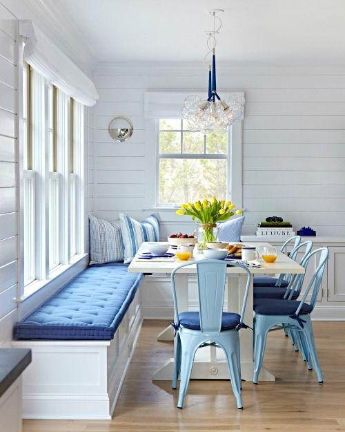 Blue and White Corner Breakfast Nook Ideas