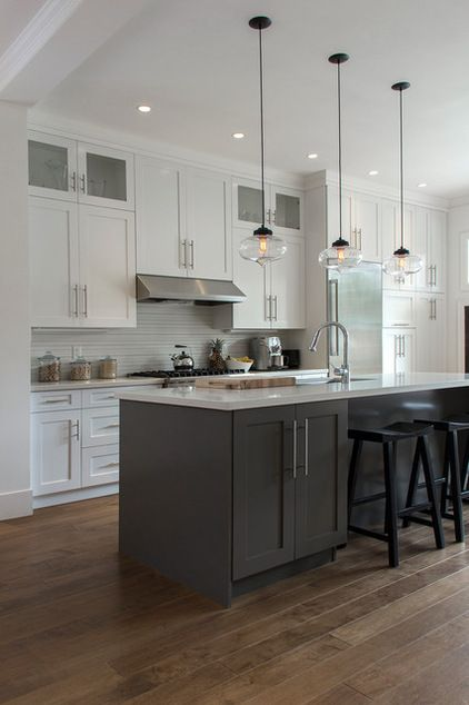 20 Two Tone Kitchen Cabinets Ideas For Beautiful Kitchen
