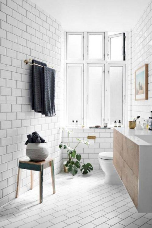 Minimalist Scandinavian Tiny House Bathroom