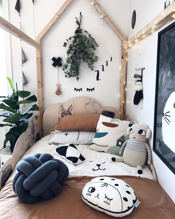 Natural Girls Room Decor