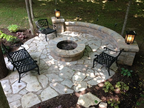 Smallvile Style Stone Patio Ideas