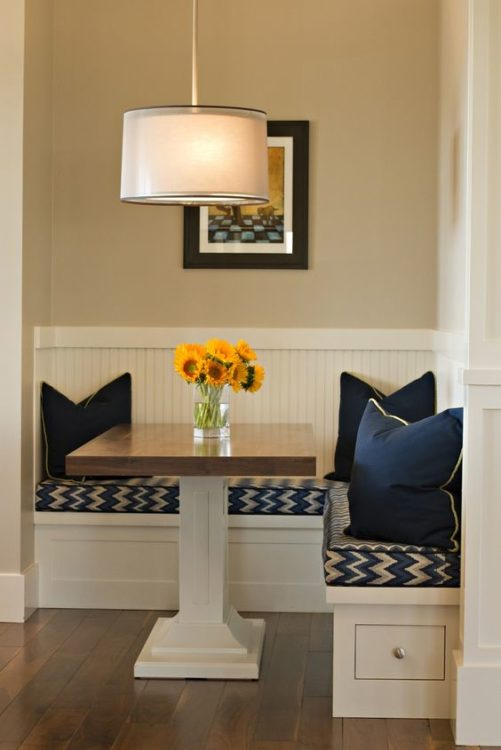 Tiny Corner Breakfast Nook Ideas