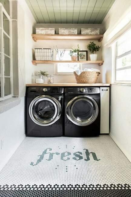 DIY tiny farmhouse laundry room ideas